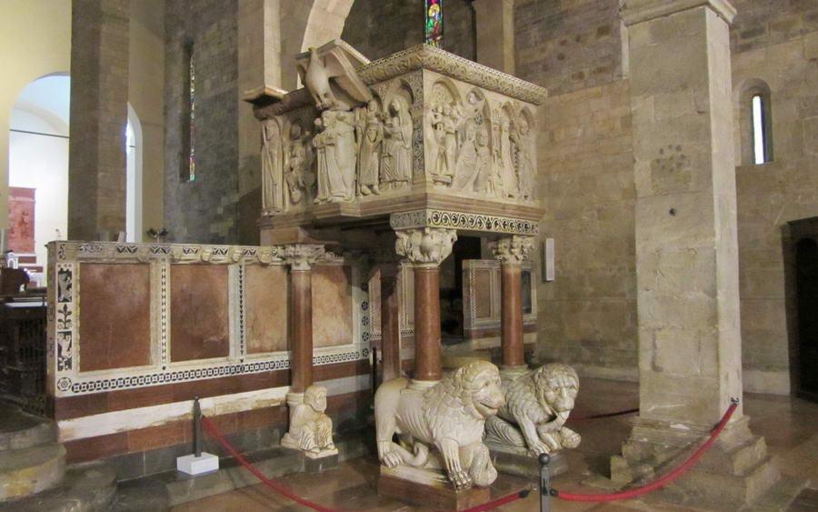 Duomo-di-Barga